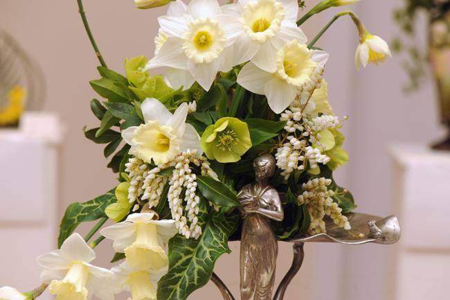 Art Nouveau arrangement at Upperville Daffodil Show 2