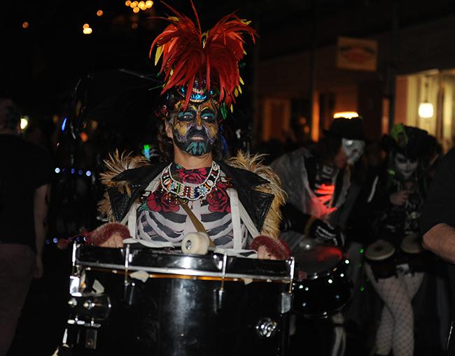 Parade Krewe du Veiux feather cap