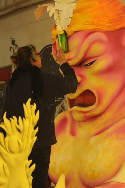 Painter in Mardi Gras World