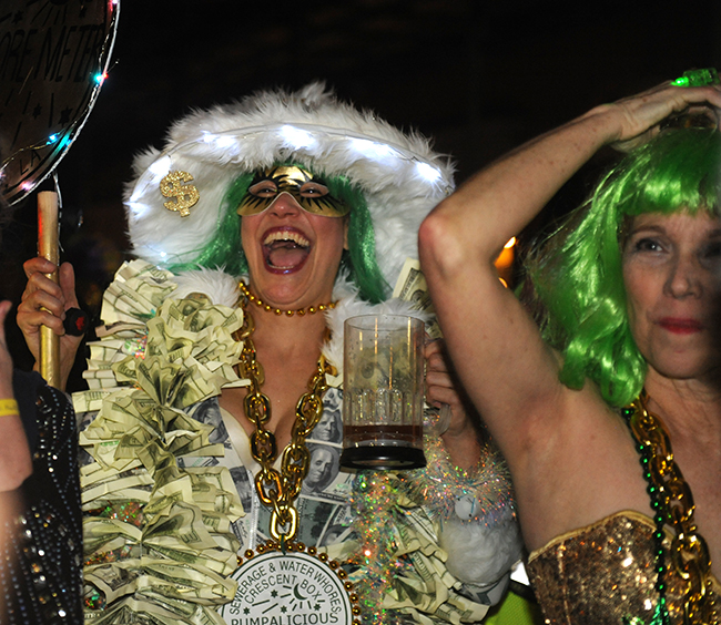 Parade Krewe du Veiux Pumpalicious money
