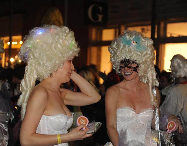 Parade Krewe du Veiux white wigs