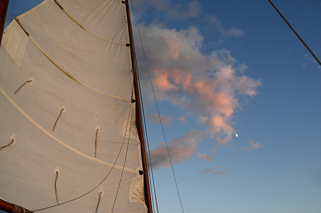 Sunset sailing in Sister Bay