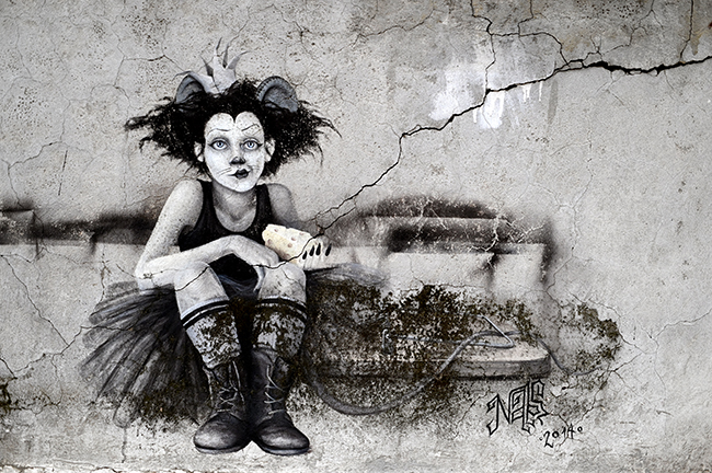 Mouse Girl street art