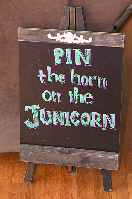 Pin the horn on the Junicorn