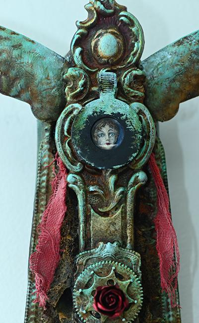 Assemblage shoe sanctum detail