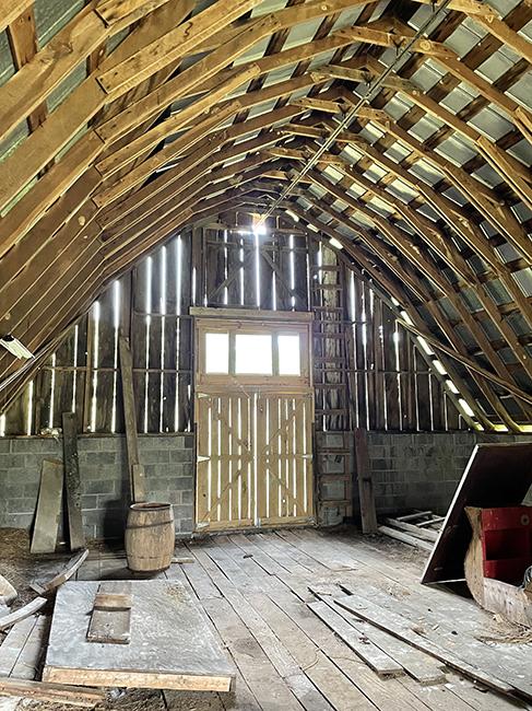Leslie's barn